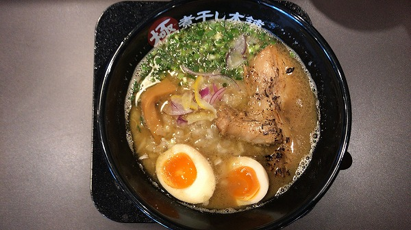 極煮干し本舗 浜松入野店の魚介煮干しラーメン